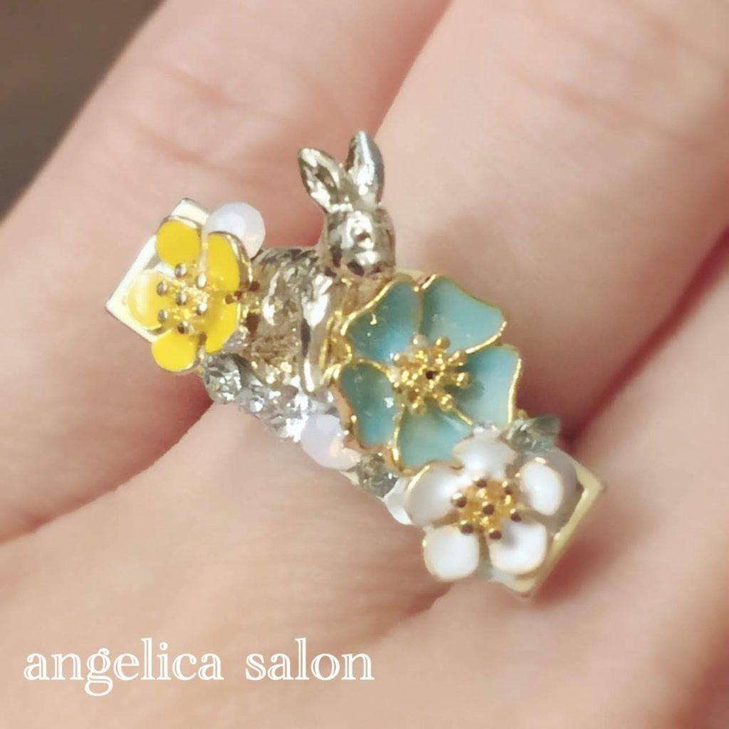 お花とウサギのリング