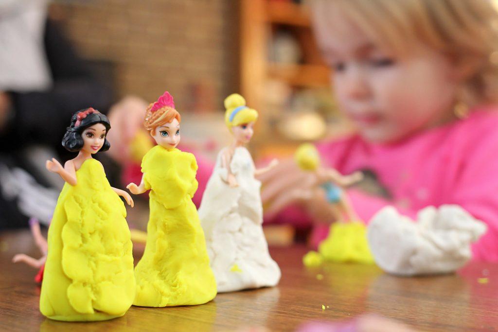 プリンセス、お人形遊び